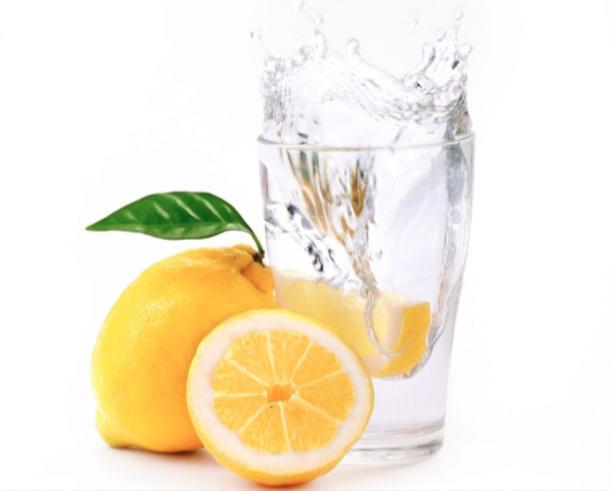 eau tiède citronné